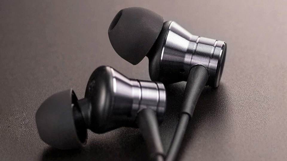 1MORE Piston Fit wired earbuds