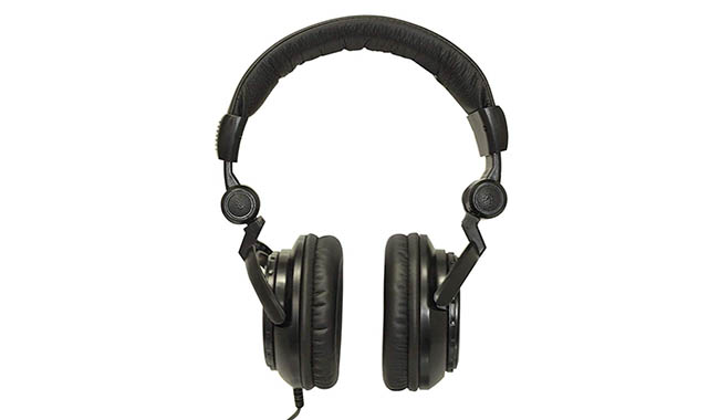 Tascam TH-02 over-ear headphones