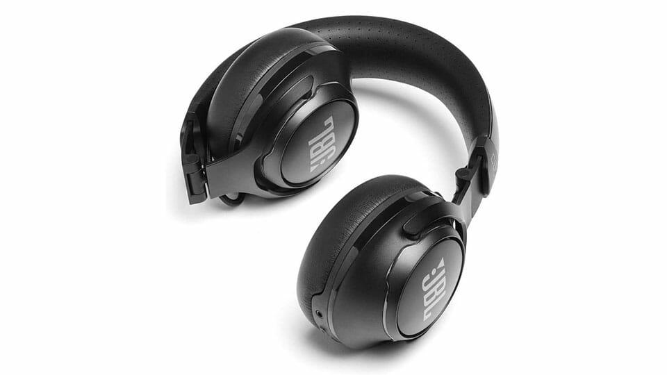 JBL CLUB 700 wireless headphones