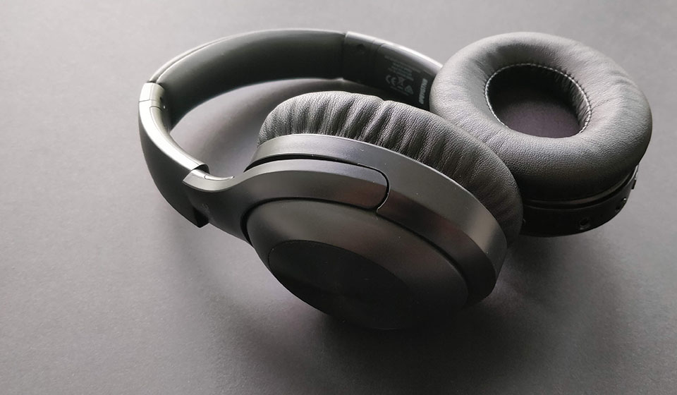 iTeknic ANC headphones side