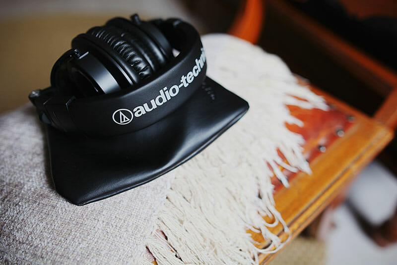 Best over-ear headphones under 100 guide
