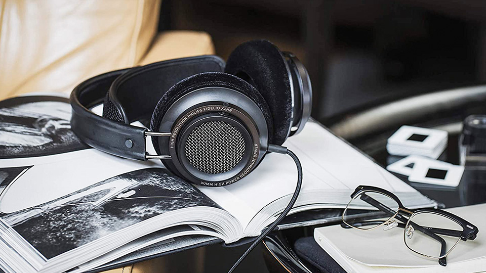 Philips Fidelio X2HR wired headphones