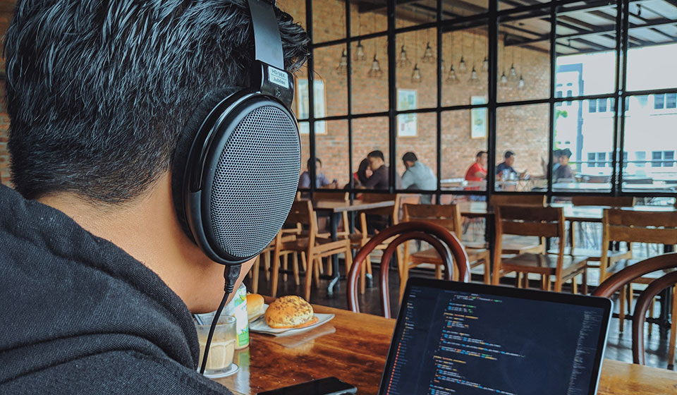 Working with open-back headphones and laptop