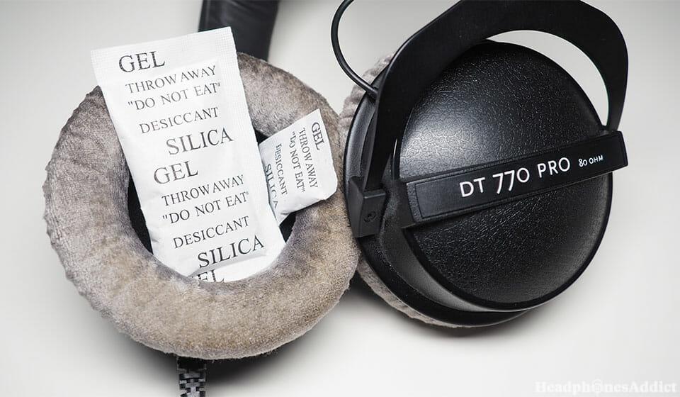 Silica gel in headphones
