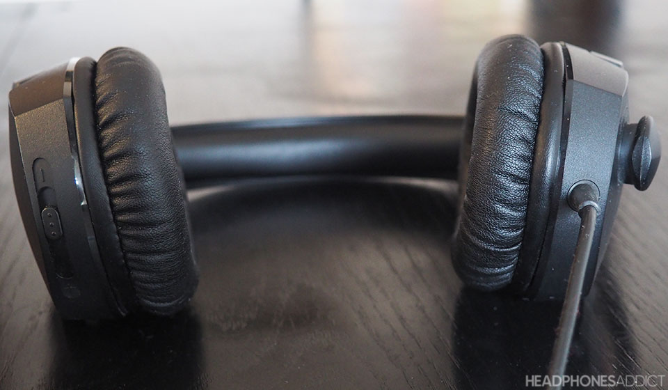 HyperX Cloud Stinger ear cushions