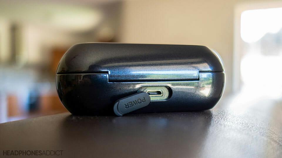 Soundcore Liberty Neo has a micro USB port