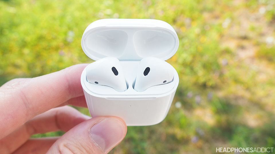 Apple AirPods 2 in a charging case