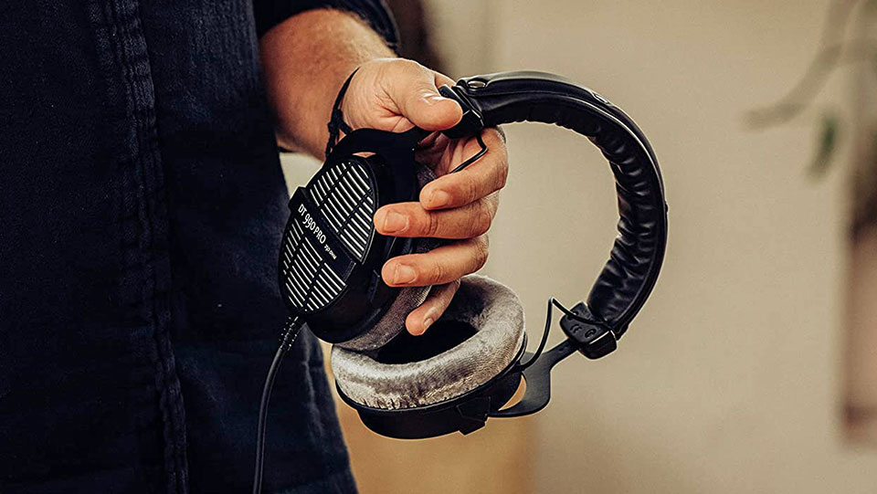 Beyerdynamic DT 990 Pro wired headphones