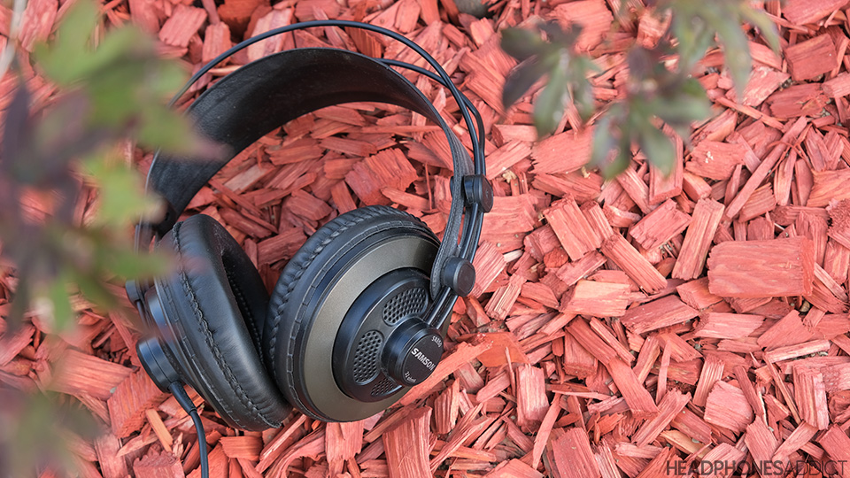 Samson SR850 wired headphones