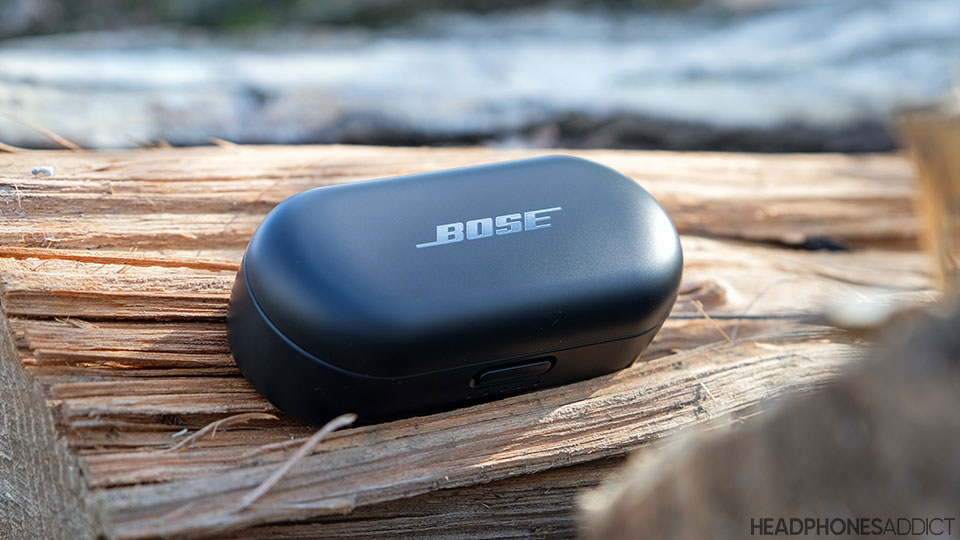 Bose Sport Earbuds the charging case