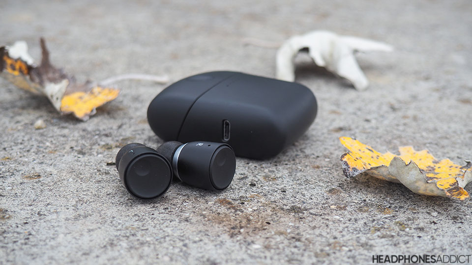 Cambridge Audio Melomania 1 earbuds with case