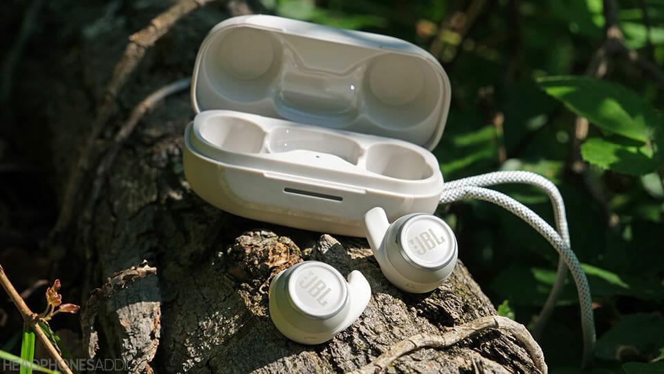 JBL Reflect Mini NC earbuds